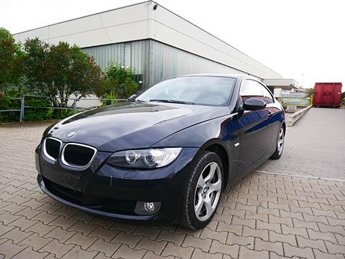 BMW 330 steht zum Verkauf bei Auto Ankauf Franken