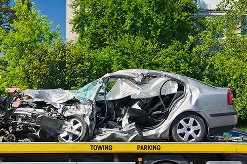 Unfallwagen-Abschleppen