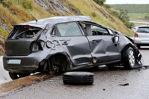 Unfallwagen-VW-Golf-Grau